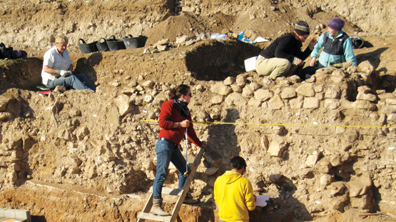 dig site with students