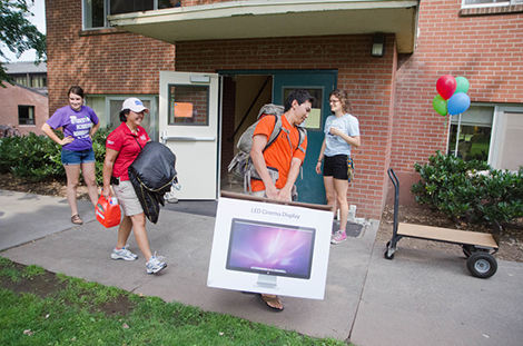 Move in day at Whitman College, 2013.